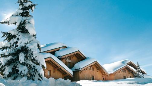 résidence de tourisme sous la neige dans le Beaufortain