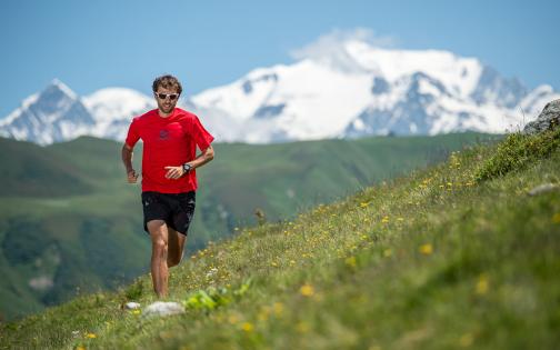 François d'Haene champion de trail à l'entraînement dans le Beaufortain