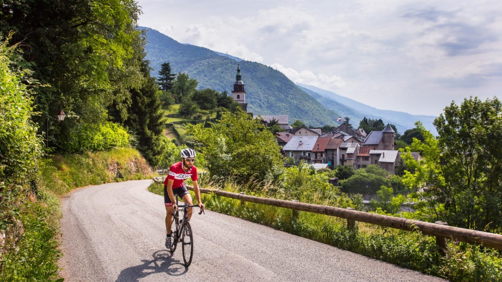 Vélo cycliste au col du Pré Beaufortain
