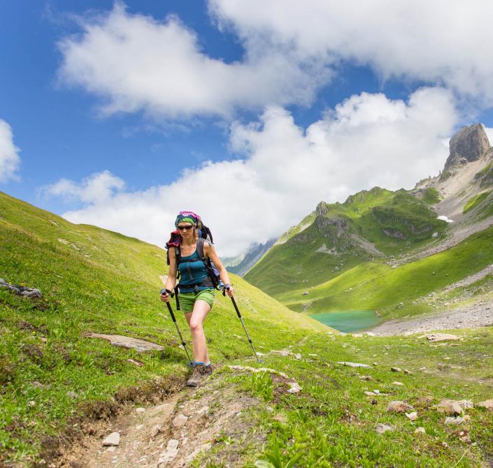 Randonnée sur le tour du Beaufortain, Savoie, passage au lac d'Amour