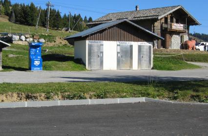 Aire de service parking du col aux Saisies (commune de Hauteluce)