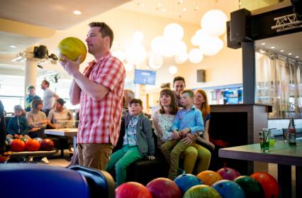 6 pistes de bowling à votre disposition