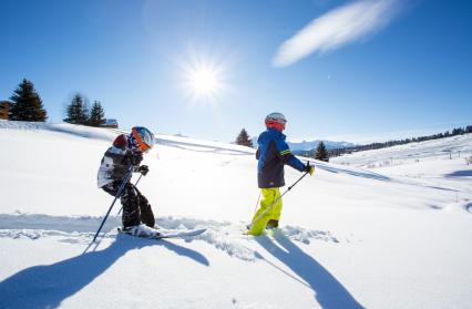 Ski avec des enfants sur l'espace diamant