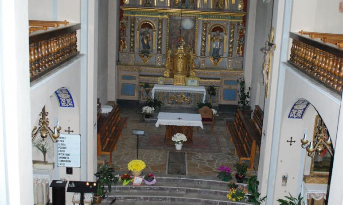 intérieur de l'Eglise d'Arêches