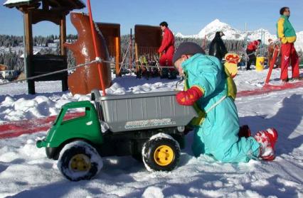 jeux-dans-la-neige-esf-les-saisies