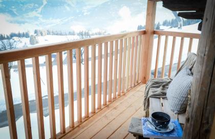 Balcon avec vue sur le Mont-Blanc et le Beaufortain
