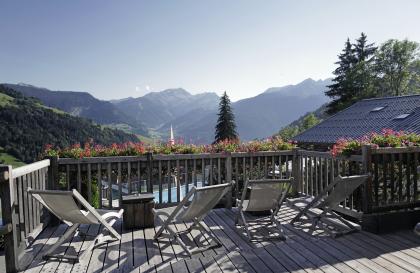 Terrasse plein sud avec vue sur le Mont Blanc et le Beaufortain