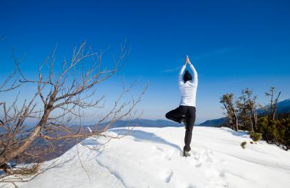 Snowga, un mélange de yoga et de raquettes