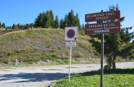 Parking camping car du Col des Saisies