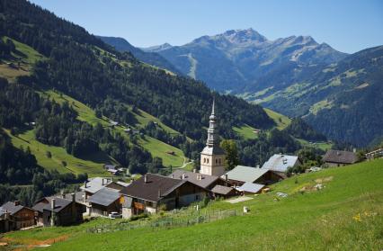 Le village d'Hauteluce en été