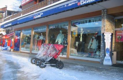 poussettes-hiver-magasin-intersport-les-saisies