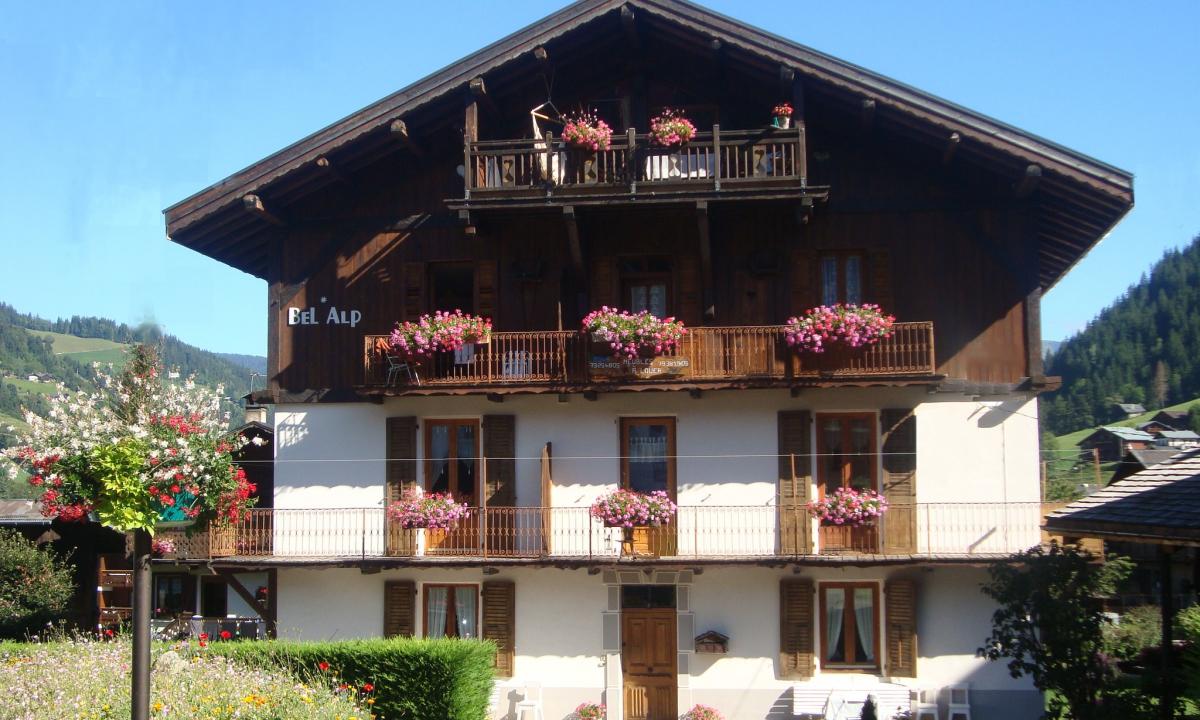 facade chalet bel alp