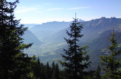 Vue sur Ugine et la vallée de Faverges
