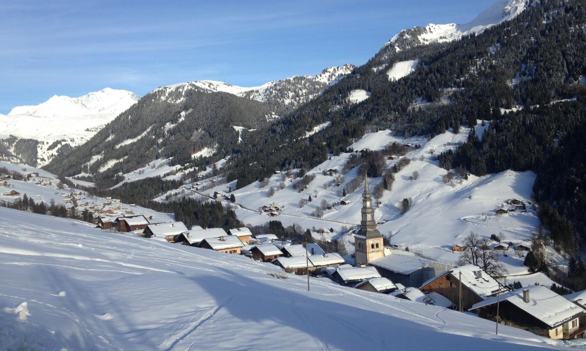 Hauteluce, visite du village en hiver