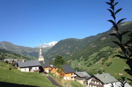 Hauteluce, village, église baroque et Mont-Blanc